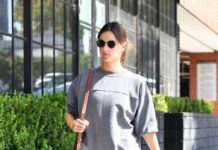 Alessandra Ambrosio – Arrives at Yoga Class in LA