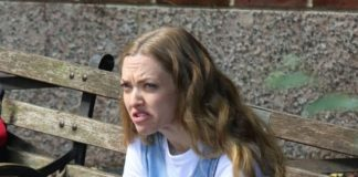 """Amanda Seyfried – """"A Mouthful of Air"""" Set in NYC"""