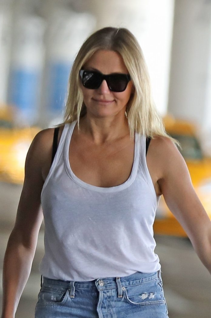 Cameron Diaz in Ripped Jeans – Out in Los Angeles