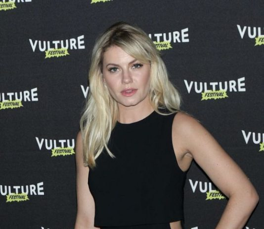 Elisha Cuthbert – Happy Endings Reunion at the Vulture Festival in NYC