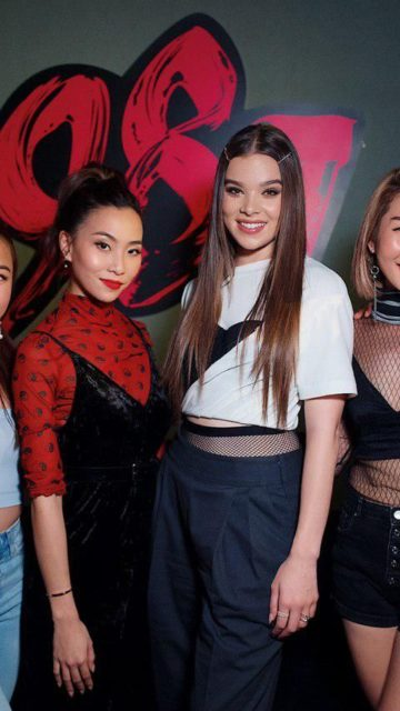 Hailee Steinfeld – Visiting 987FM in Singapore