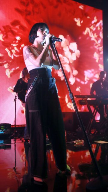 Halsey – Performs at DKNY Party