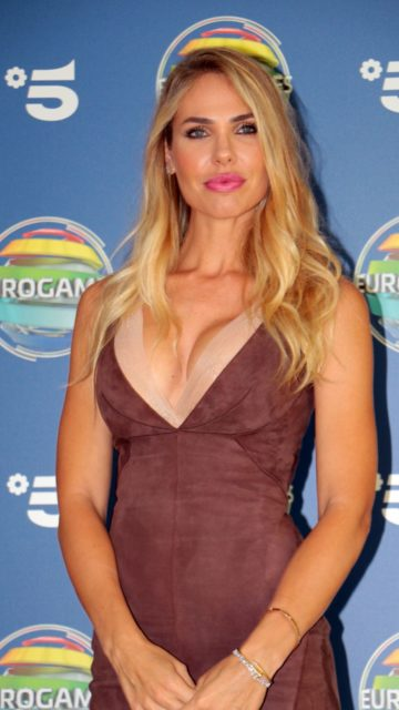 Ilary Blasi – Photocall TV Show Eurogames Canale 5 in Milano