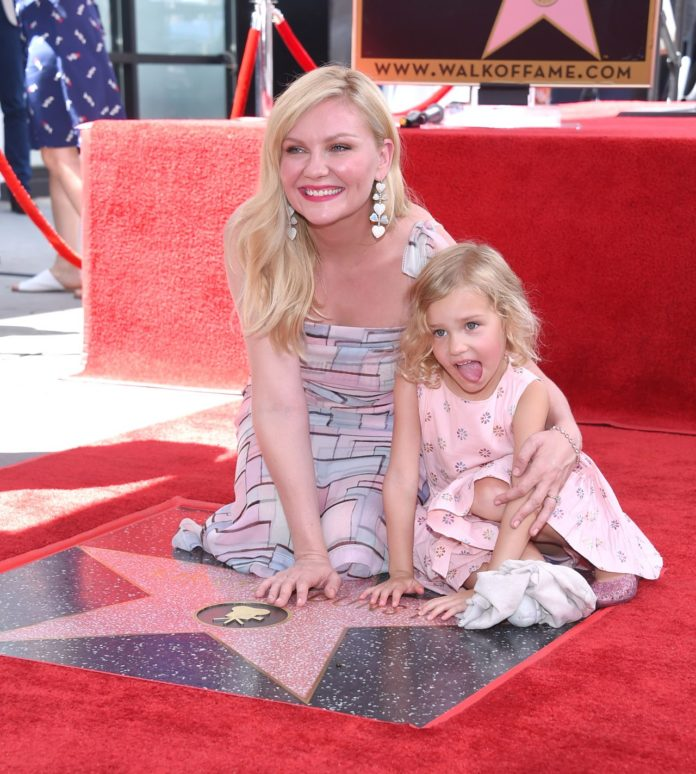 Kirsten Dunst – Honor With Star on The Hollywood Walk of Fame in Hollywood