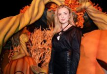 Peyton List – Knott's Scary Farm in Buena Park