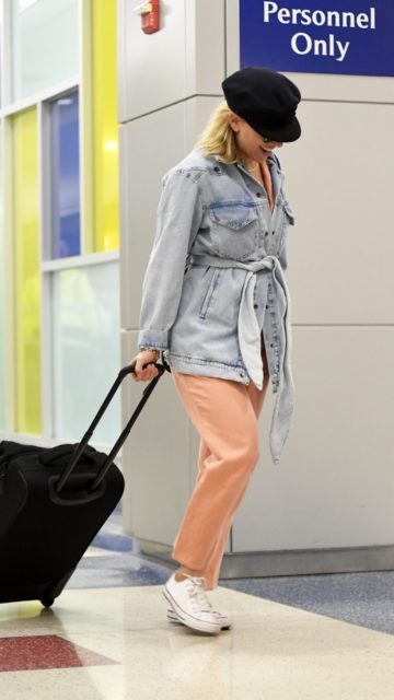 Scarlett Johansson in Travel Outfit – Arriving at JFK Airport in NYC
