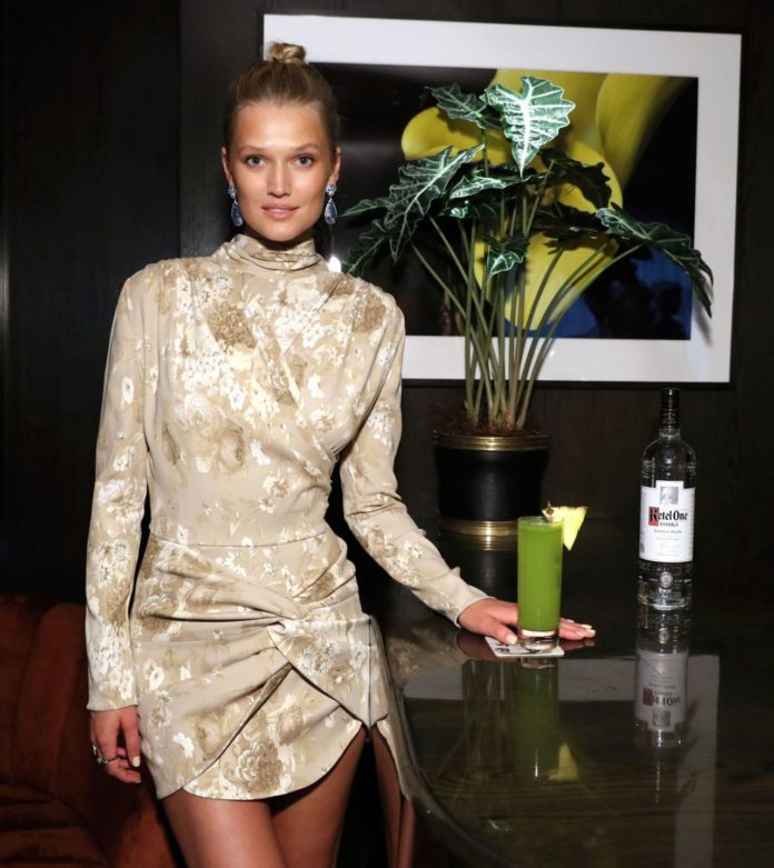 Toni Garrn – Toni Garrn Foudation Supermaodel Flea Market Launch Party in NY