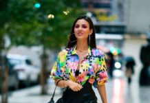 Victoria Justice – Out in Midtown in NY