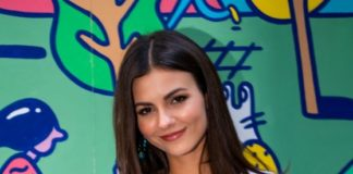 "Victoria Justice – ""Pledge for Planet Mural"" Photocall in NYC"