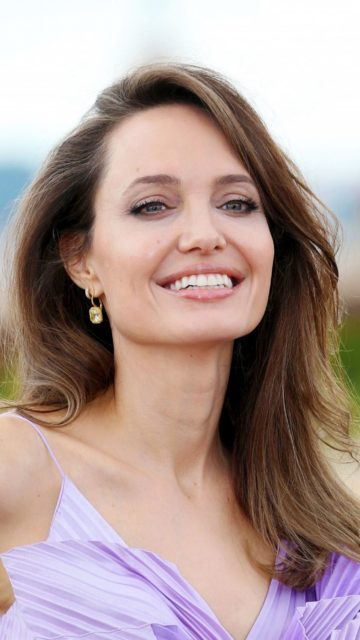 """Angelina Jolie – """"Maleficent – Mistress Of Evil"""" Photocall in Rome"""