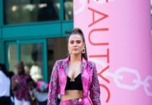 CJ Perry – Leaving the BeautyCon Festival Los Angeles 2019