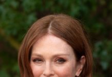 Julianne Moore – Christian Dior Show in Paris