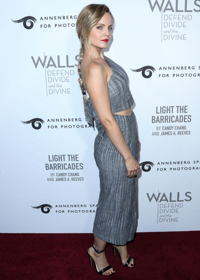 Mena Suvari – Annenberg Space For Photography's W|ALL's: Defend, Divide And The Divine Exhibit Opening in Century City