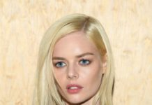 Samara Weaving – Louis Vuitton Show at Paris Fashion Week
