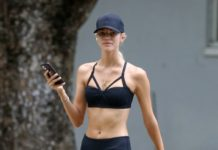 Devon Windsor and Jonathan Barbara – Works Out Together