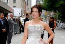 """Kate Beckinsale Looks In """"Nothing But The Truth"""" Premiere at TIFF 2008"""