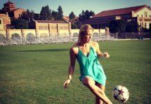 Abby Dahlkemper just kickin